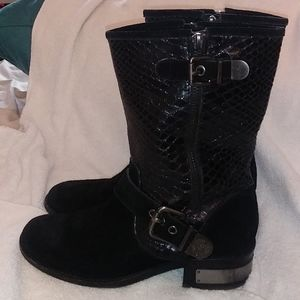 Vince Camuto Witty 2 Black embossed leather sz 7.5